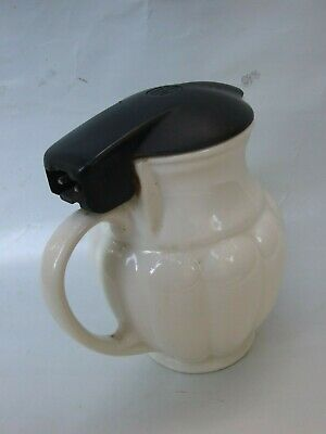 VINTAGE ART DECO  POTTERY '' HOT  POINT  AEI ''WATER JUG BAKELITE LID  C.1940's