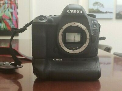 Canon EOS 5D Mark IV (body only) with Canon Battery Grip BG-E20