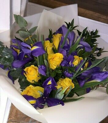 FRESH REAL FLOWERS Delivered UK Free Flower Bouquet Delivery Yellow And Blue