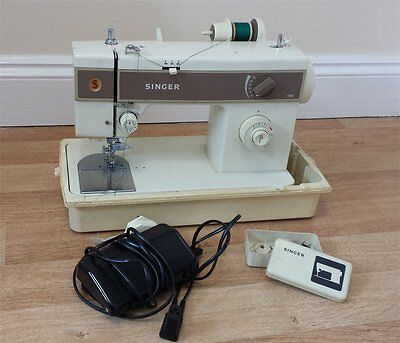 Vintage Singer 5132 Sewing Machine UNTESTED