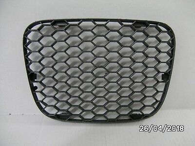 NEW GENUINE SEAT LEON CUPRA Mk1 2000-2006 FRONT LOWER AIR GRILLE 1M0853668F 79Y