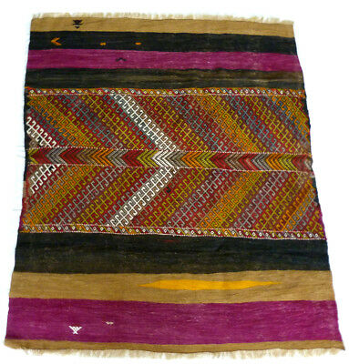 Kilim Turc Traditionnel Oriental hand made fait main  144 cm x 128 cm  N°181