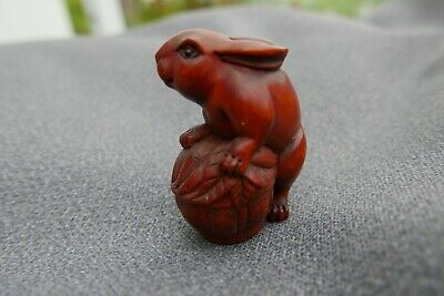 Hand Carved netsuke boxwood Rabbit on Basket collectable netsky