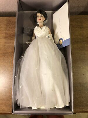 Franklin Heirloom - Elizabeth Liz Taylor - White Gown - Vinyl Portrait Doll GUC