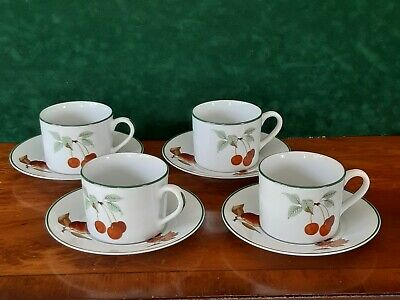 4  Royal Worcester 'Evesham Vale'   Cups And Saucers