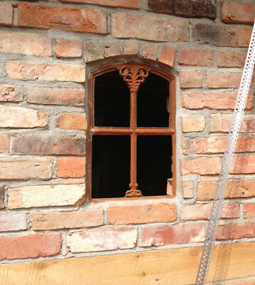 Lattice Windows Made of Cast Iron for Stable and Stonewall Nach Historical Model