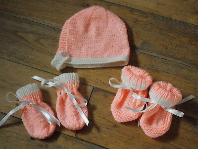 Brand New Hand Knitted Baby Bonnet, Mitten, Booties Set 0-3/3-6/6-9 Months