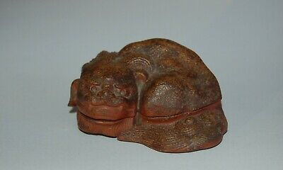 Ceramic kogo incense box, shishi, Bizen stone ware, Japan 20th c