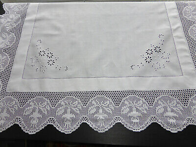 NAPPE ANCIENNE CARREE en LIN BLANC BRODERIE ANGLAISE-LARGE DENTELLE