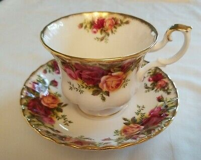 Royal Albert  OLD COUNTRY ROSES Footed Demitasse Cup & Saucer Set ENGLAND