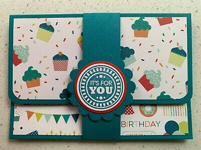 HANDMADE BIRTHDAY gift card holder. Cupcakes. Fits credit card sized gift cards.