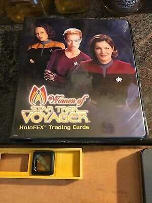 Women Of Star Trek Voyager Collectible Card Binder With 4 Pages Of Cards