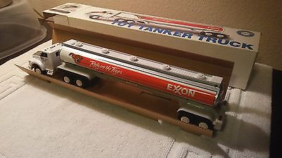 Exxon Rely On The Tiger Toy Tanker Truck Collector Series Sound/ Working Lights