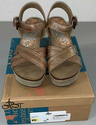OTBT Women's Bee Cave Gold Size 9