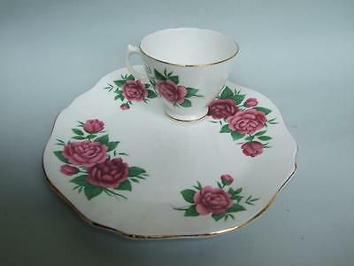 ROYAL VALE TENNIS PLATE / CUP SET HIGH TEA  FLORAL FINE BONE CHINA 1930's