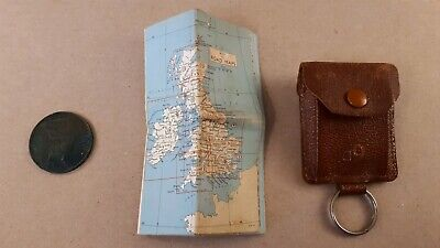 Vintage Keyring PENNY HOLDER AND BRITISH ISLES ROAD MAP HOLDER BEAUTIFULL