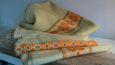 ancienne nappe + serviettes  / old upholstery fabric