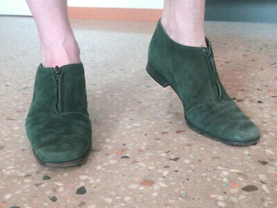 vintage womens forest green suede shoes Peter sheppard size 7.5. 1960s or 1970s?
