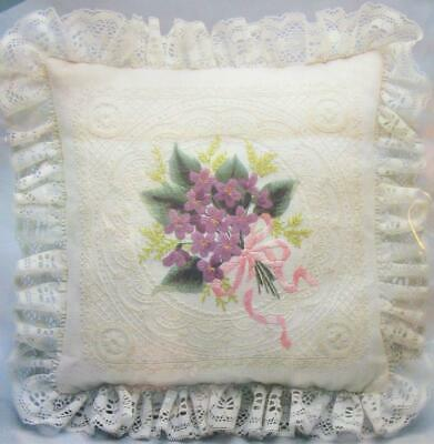 VTG Violets On Illusion Lace Pillow Crewel Embroidery Kit 12 x 12 Elsa Williams