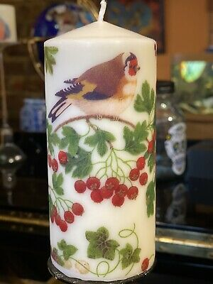 ROBINS HAND DECORATED LED WAX PILLAR CANDLE VANILLA SCENT 15x7cm WINTER BIRDS