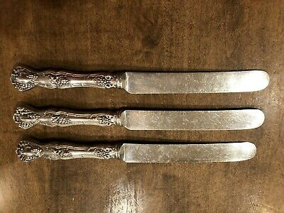 Set of 3 - 1847 Rogers VINTAGE 1904 Grapes Table Knives XS Triple SilverPlate