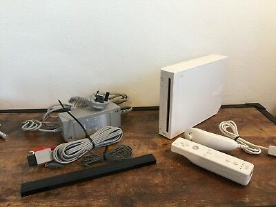 Nintendo White Wii Console READY TO PLAY Bundle All Wires & Controller / Remote