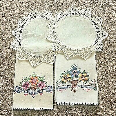 Lot of 4 Vintage Linens,  2 lunch napkins, 2 doilies - All Very Nice - No Stains