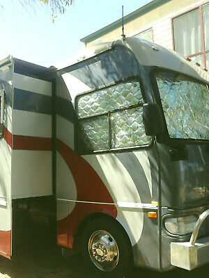 WINNEBAGO MOTORHOME 30-31  foot with Slide-out - HEAVILY REDUCED PRICE