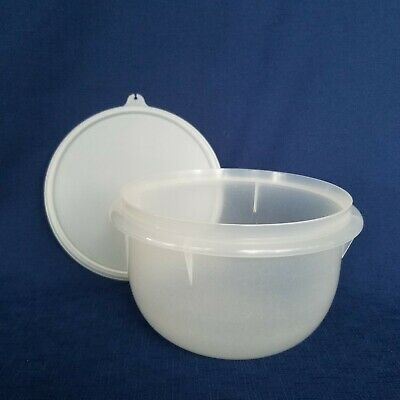 Tupperware Sheer #271 Medium Mixing Bowl 8-Cup and #228 7-Inch Round Seal