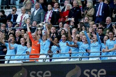 SALE MANCHESTER CITY WOMEN 2019 FA CUP WINNERS PROFESSIONAL PHOTOGRAPH 12x8