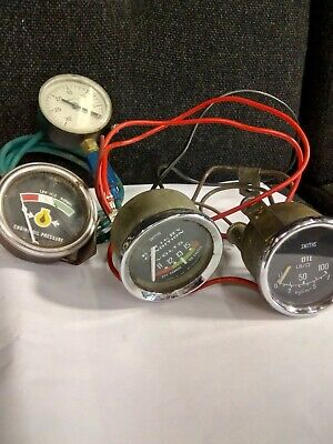 Used gwo Smiths Oil Pressure GAUGE volt meter vacuum gauge and another oil guage