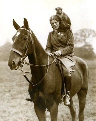 Horsewoman Machin Goodall with Horse & Monkey Mascot Singe cheval old Photo 1934