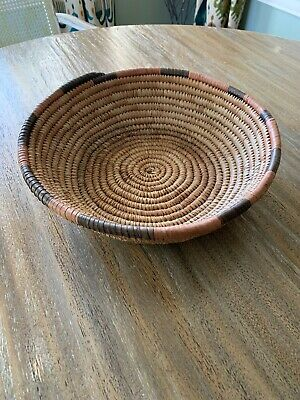 Vintage Native American Southwestern Indian Hand Woven Basket / Bowl