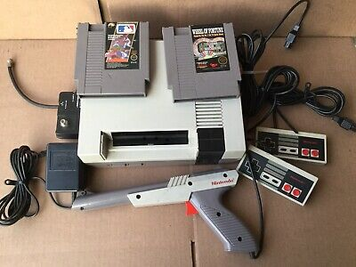 1985 Nintendo Entertainment System NES-001 Console for 2 players with 2 games.