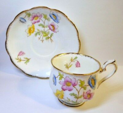 ROYAL ALBERT TEA CUP & SAUCER ANEMONE Pattern English Bone China Colorful Blooms