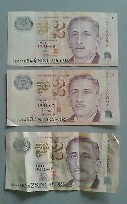 Singapore 2 Dollar Bank Notes x 3. Collectable Two Dollar Asian Notes.