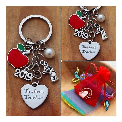 THANK YOU TEACHER GIFT Keyring -TEACHING ASSISTANT,NURSERY TEACHER- 2019/ Apple
