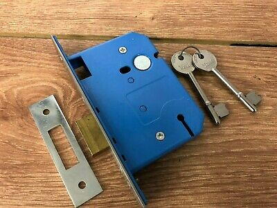 """Yale 3.00""""  3 lever upright  Dead Lock  UK made"""