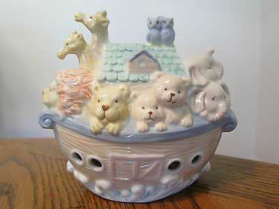 Noah's Ark Night Light Porcelain Electric Plug In Lamp Nursery YH Vtg 1999