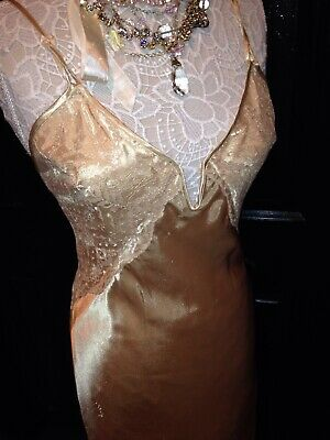 GLAM~WET LOOK~MARILYN MONROE~LIQUID GLOSSY SATIN~LACE Chemise LONG GOWN~SMALL S