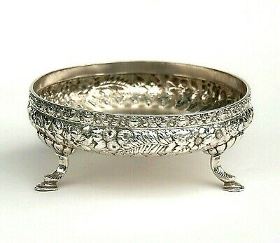 Antique TIFFANY & CO STERLING 3 feet Dish w/ Repousse Floral & Fern 5819 M 8132
