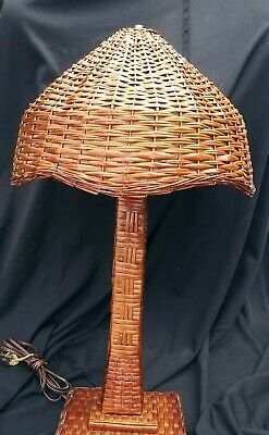 ANTIQUE VINTAGE WICKER LAMP w SHADE Contry Arts & Crafts Style Natutal VGC