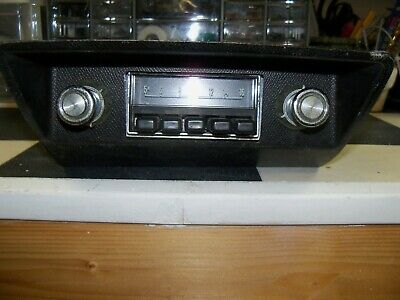 Working 1974 Ford Pinto AM Radio Serviced Bezel and Knobs