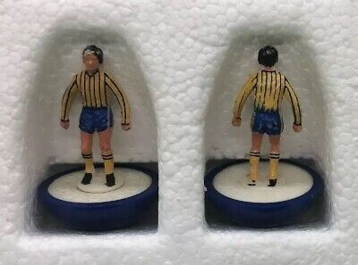 Two Spare Subbuteo LW Players - Oxford Utd / Chelsea 2nd - Reference 365