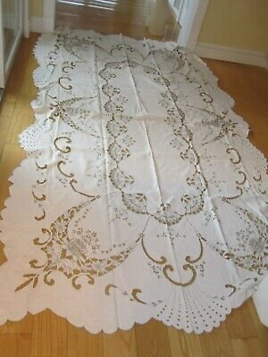 Vintage Very Fine Madeira Hand Embroidered Cutwork White Linen Tablecloth 64 X 1