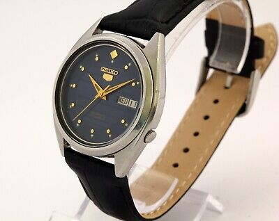 Seiko 5 day and date automatic men's wrist watch Japan, cal. 7009A 17 Jewels