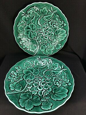 Pair of English Antique Majolica Dark Green Leaf Plates late 1800s
