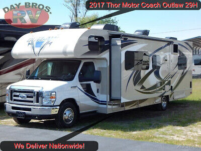 2017 Thor Motor Coach Outlaw 29H Class C Toy Hauler RV Motorhome Coach Ford