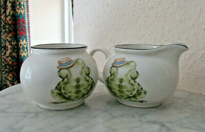 Arthur Wood milk jug & sugar bowl with back-to-front frogs,  Exc. condition
