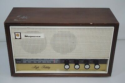 Vintage Magnavox Model FM-43 TableTop 6 tube AM/FM Radio